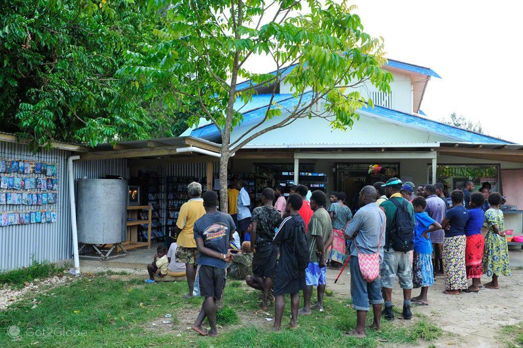 Cinema de rua espontâneo, Luganville, Espiritu Santo, Vanuatu