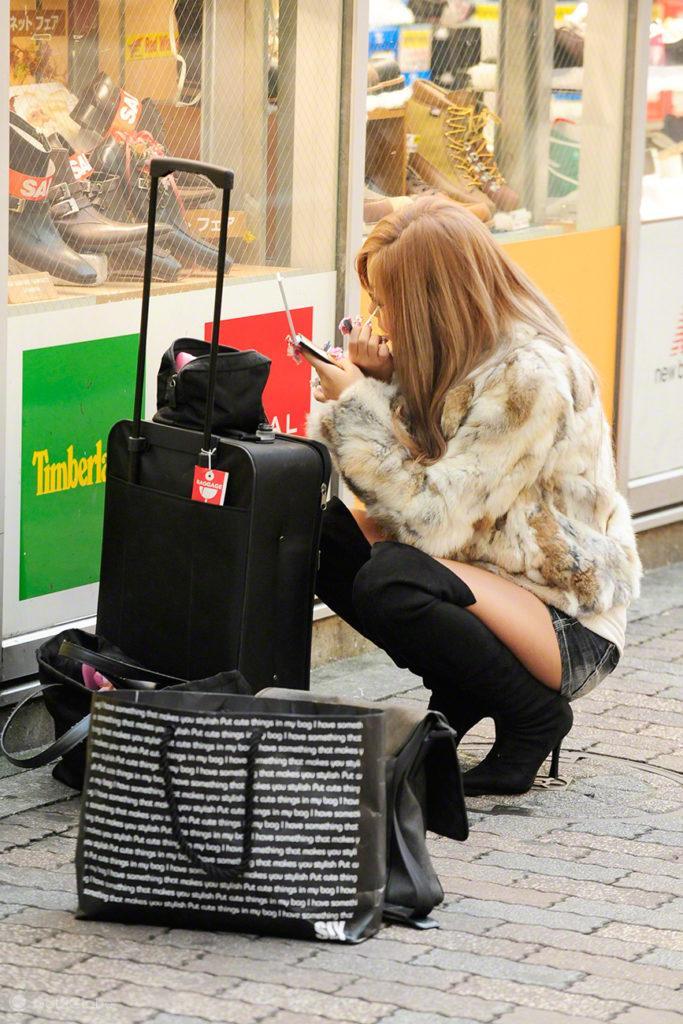 Cliente em maquilhagem, Purikura, Shibuya, Tóquio, Japão