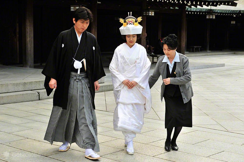 Costureira e Noivos, Casamento tradicional, templo Meiji, Tóquio, Japão