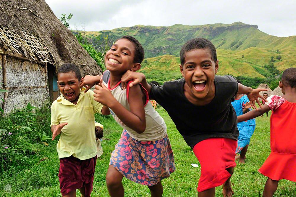 Crianças de Navala, Viti Levu, Fiji