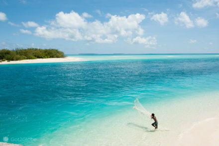 Lançamento de rede, ilha de Ouvéa-Ilhas Lealdade, Nova Caledónia