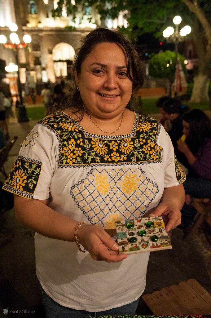 Patricia Zavala, Bingo, Loteria campechana-Parque Central, Campeche, Mexico
