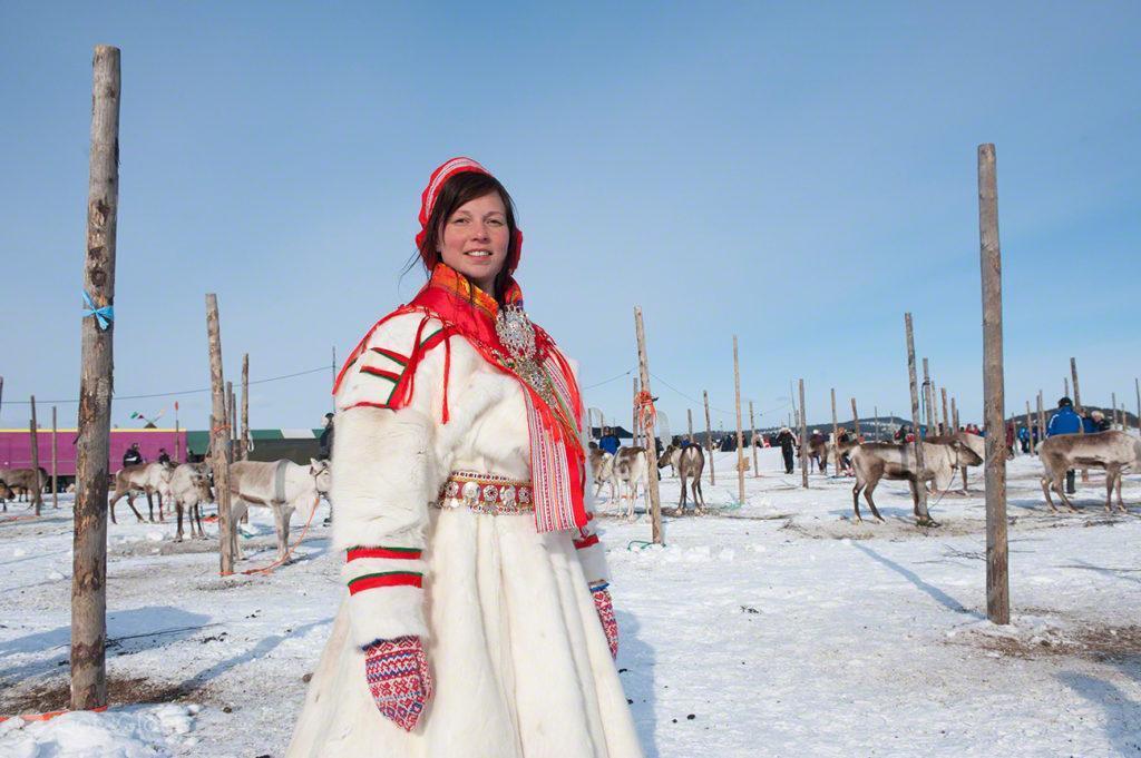Mulher sami, Kings Cup Porokuninkuusajot, Inari, Finlândia