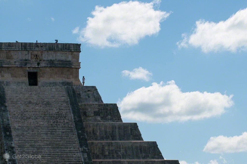 Pirâmide maia, Chichen Itza, México