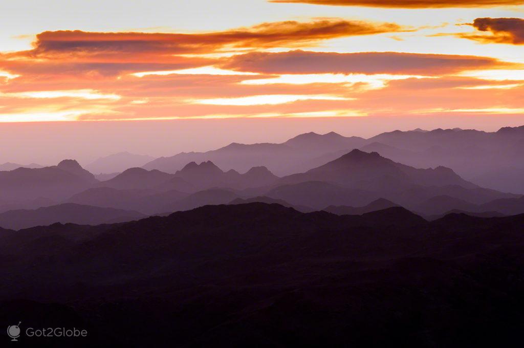 Silhuetas de montanhas, Península Sinai, Egipto