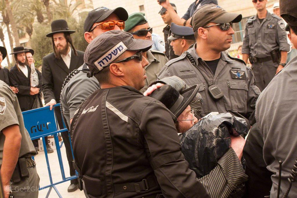 intervenção policial, manifestação judeus utraortodoxos, Jaffa, Telavive, Israel