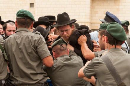 Intervenção policial, judeus utraortodoxos, jaffa, Telavive, Israel