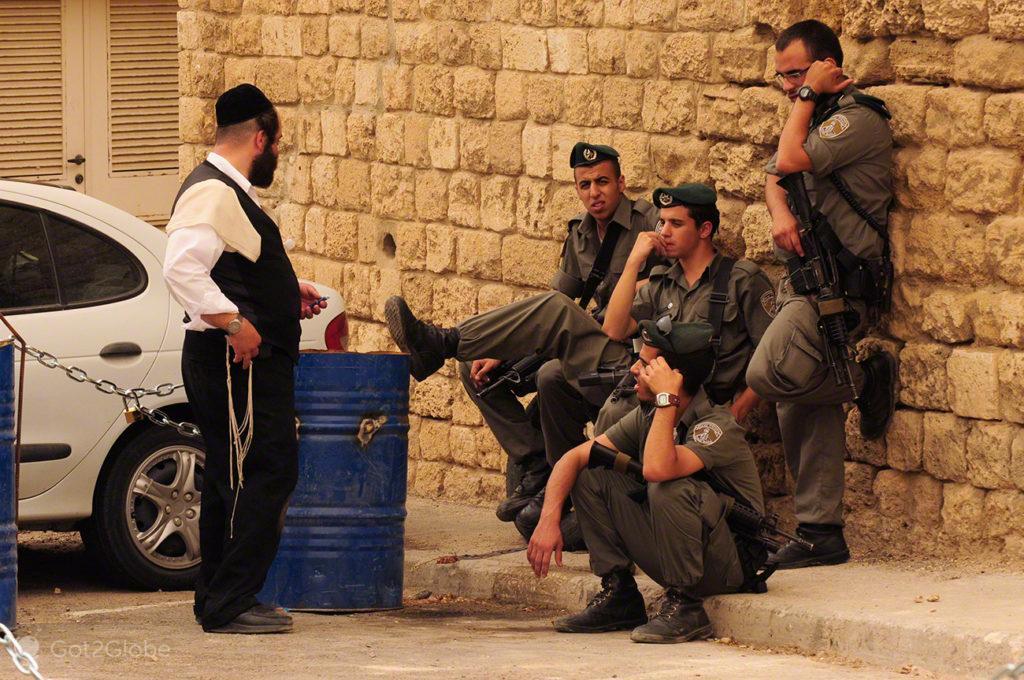 Abordagem da polícia, manifestação judeus utraortodoxos, Jaffa, Telavive, Israel