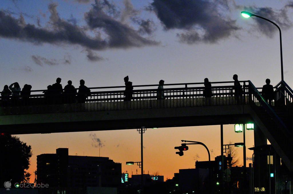 transeuntes sobre comboio, sono, dormir, metro, comboio, Toquio, Japao