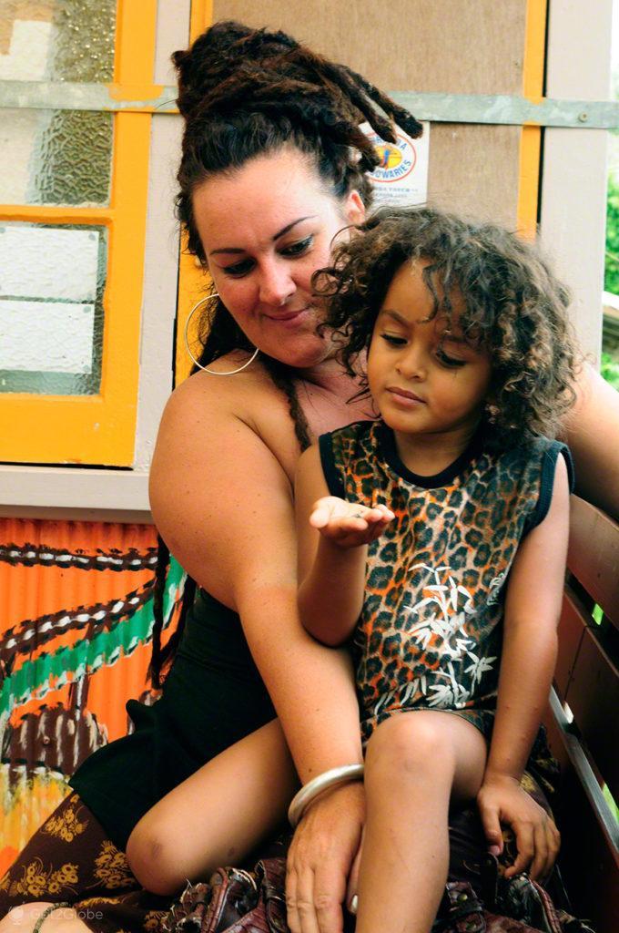 Vendedora, Mae e filho, Kuranda train, Cairns, Queensland, Australia