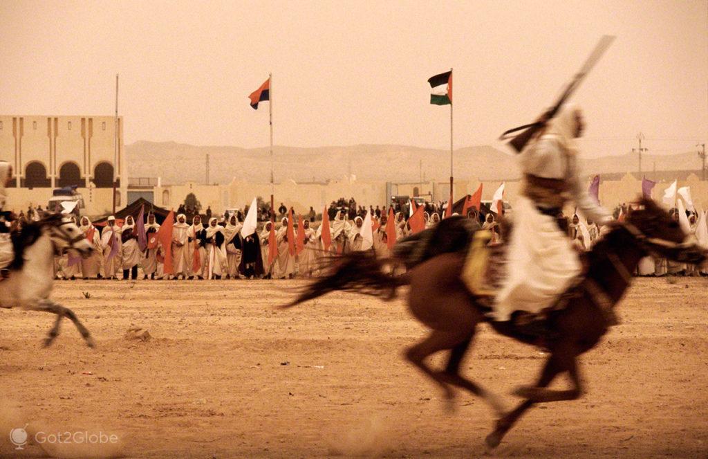 Cavaleiros a Galope, festival dos ksour, tataouine, tunisia