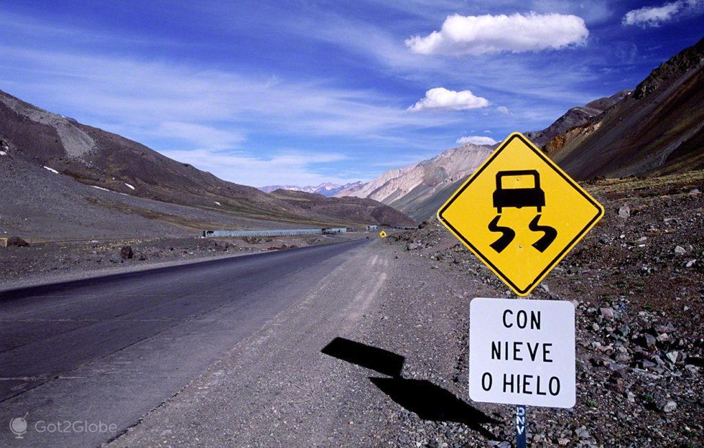 Con Nieveo Hielo, Mendoza, de um lado ao outro dos andes, argentina