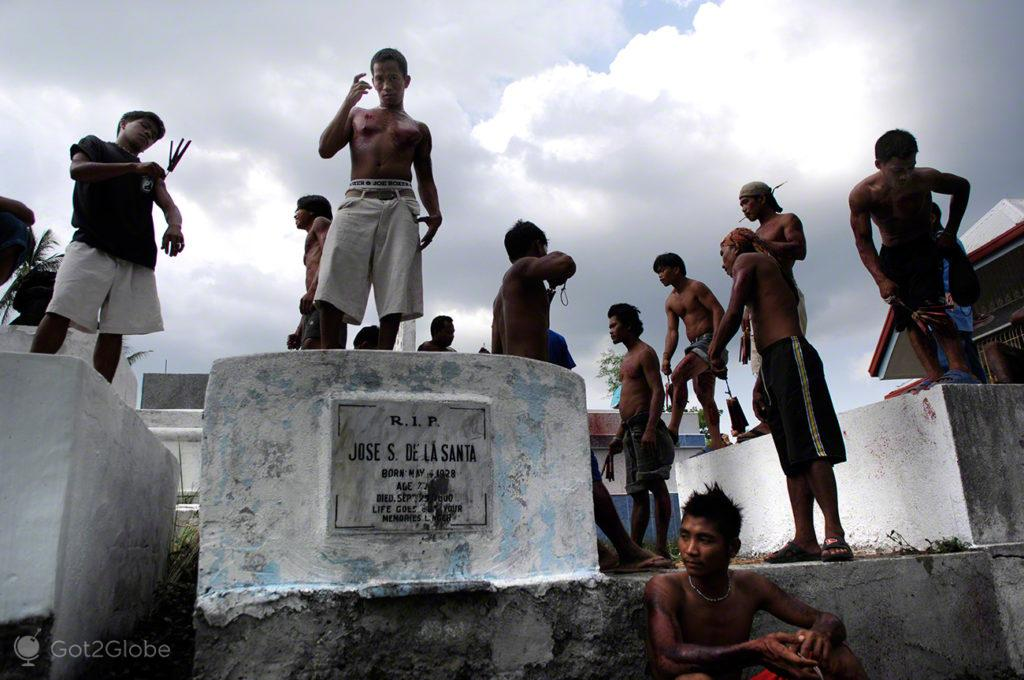 antipos no cemiterio, paixao de cristo, filipinas