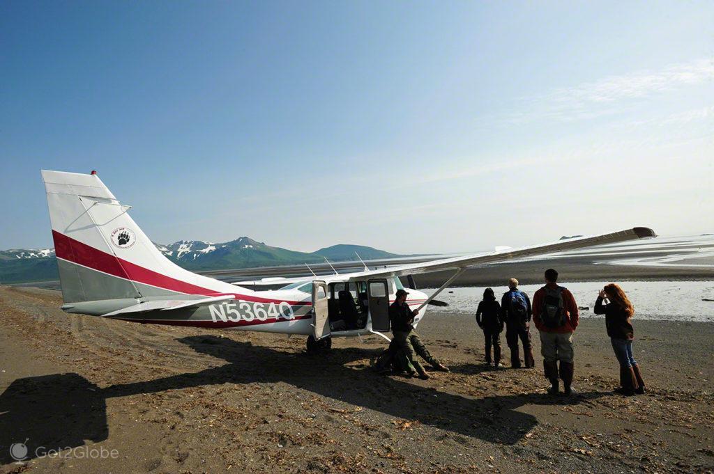 avioneta, piloto, passageiros, passos grizzly, parque nacional katmai, alasca