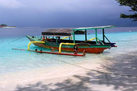 barco colorido, ilhas gili, indonesia
