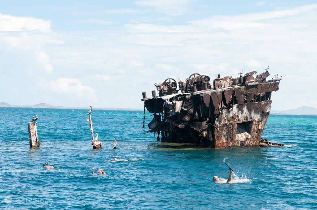 barco incendiado, ilha margarita, PN mochima, venezuela