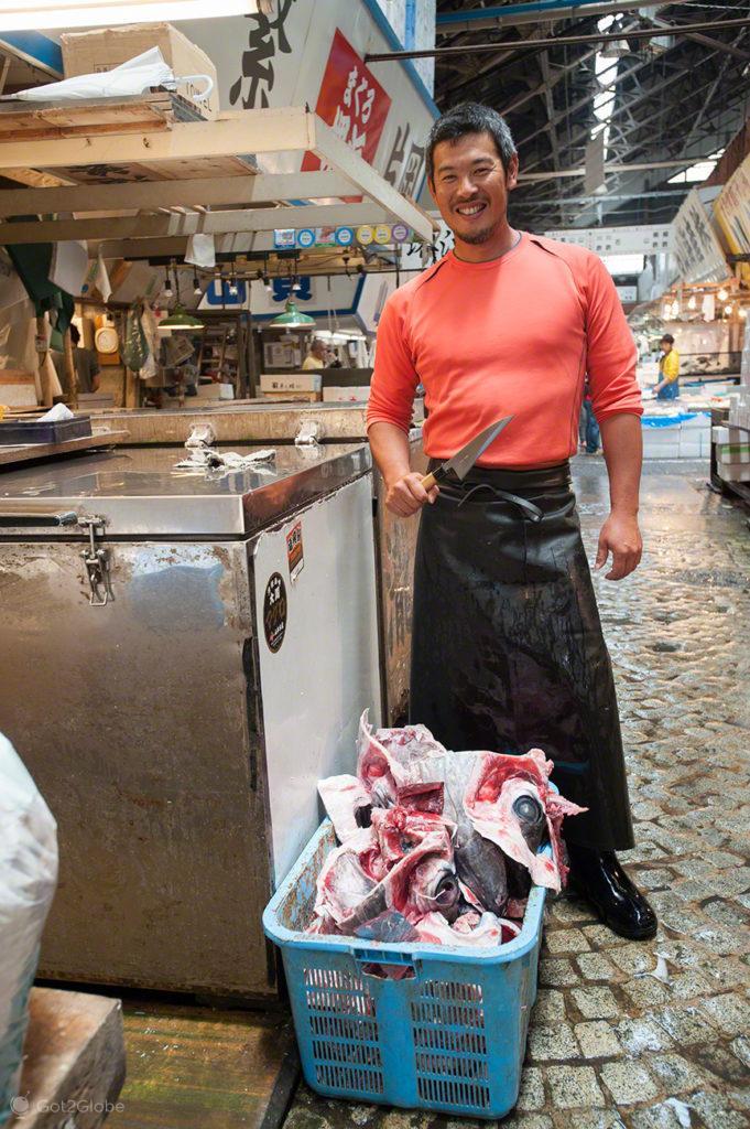 cabeca de peixe, vendedor, reino deposto, mercado, Tsukiji, toquio, japao
