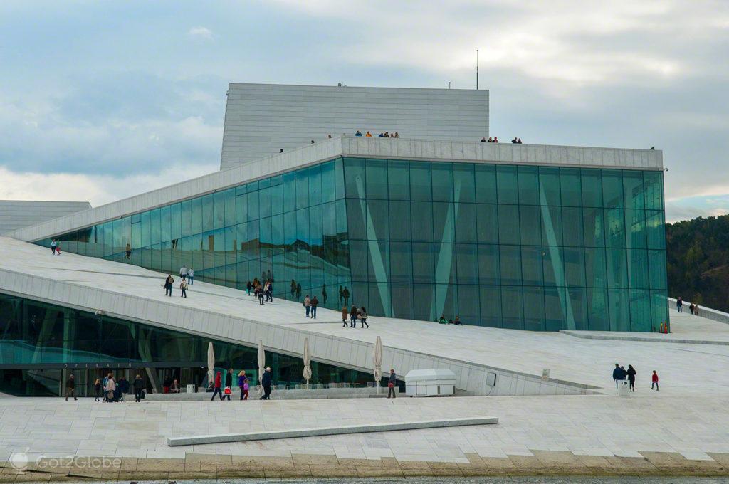 casa da opera, arquitecto Tarald Lundevall, capital, oslo, noruega