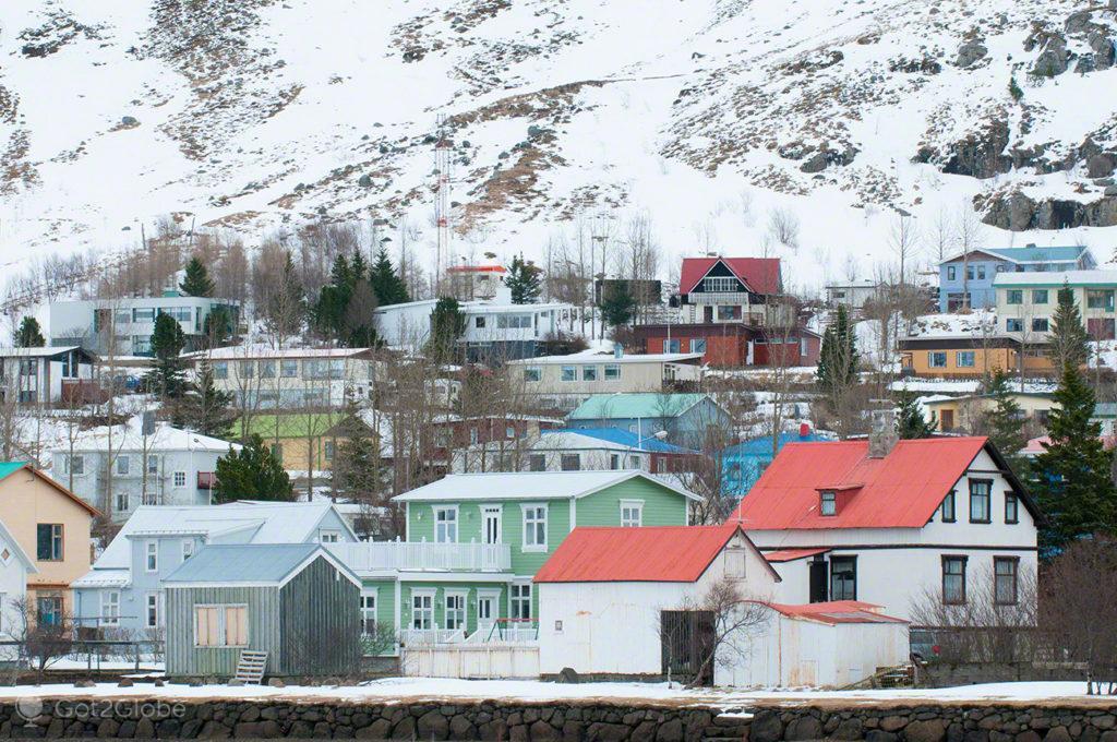 casario, fiorde, Seydisfjordur, Islandia