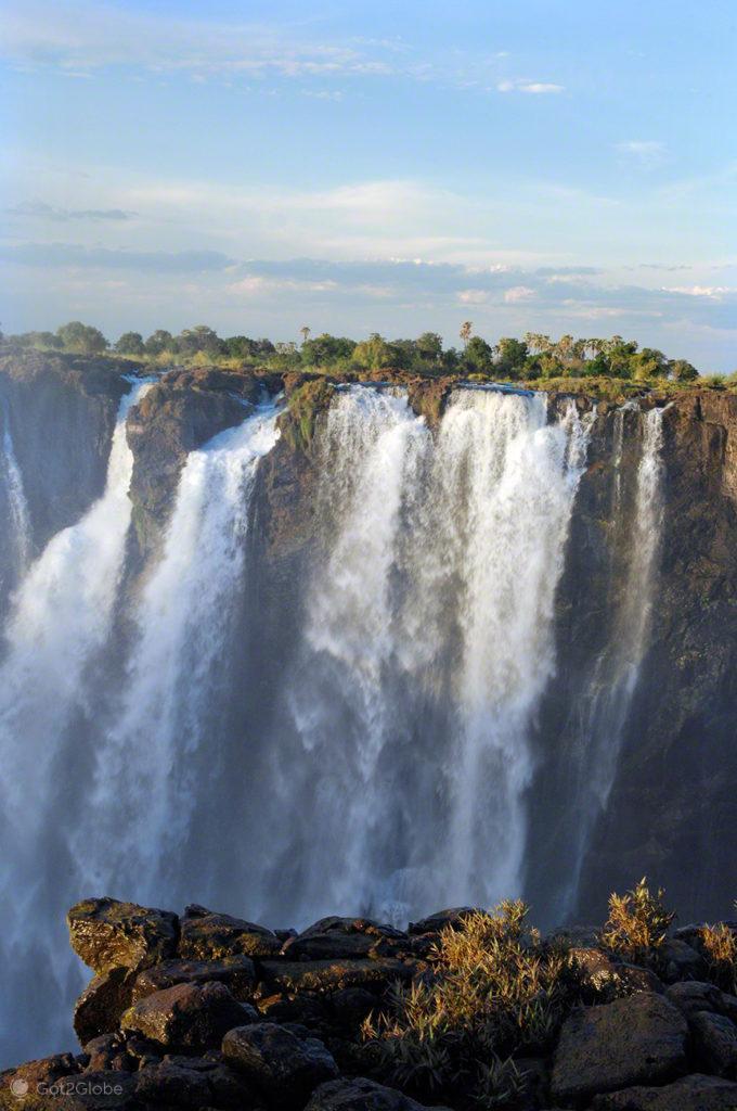 Cataratas de Victoria, Zimbabwe e Zambia