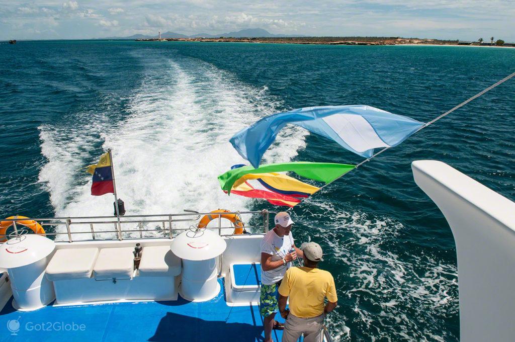 conversa no barco, ilha margarita, PN mochima, venezuela