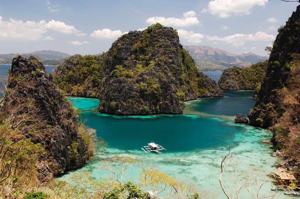 bangka, lago kayangan, coron, busuanga, filipinas