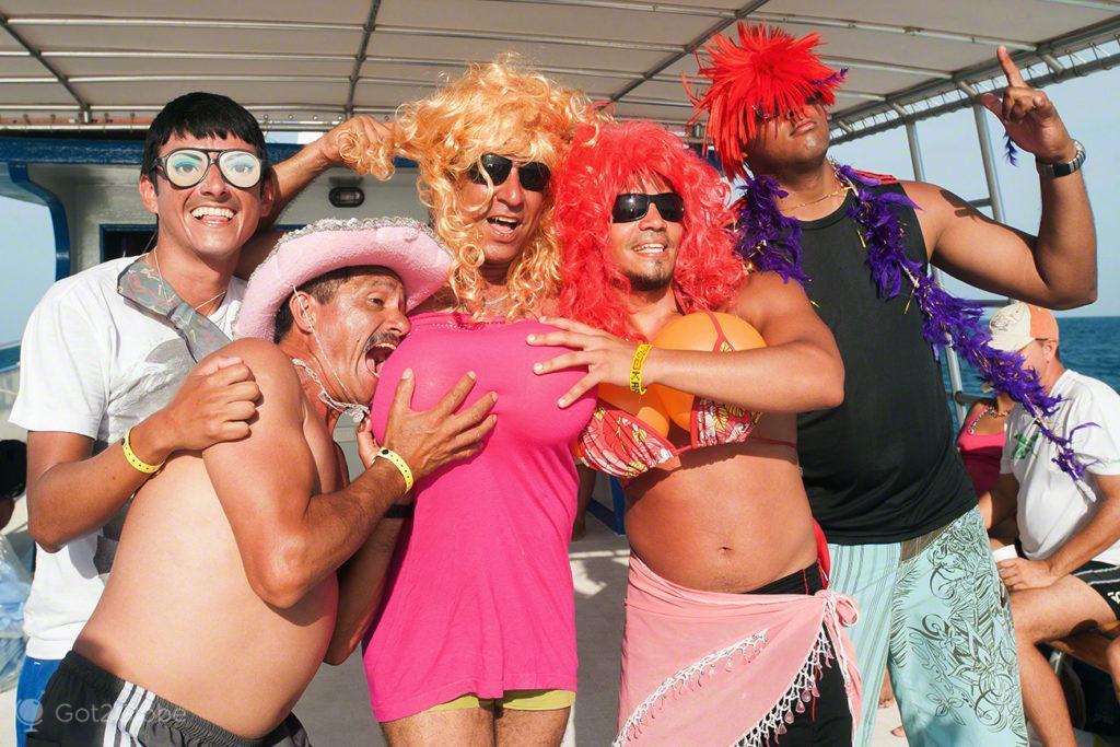 festa no barco, ilha margarita, PN mochima, venezuela