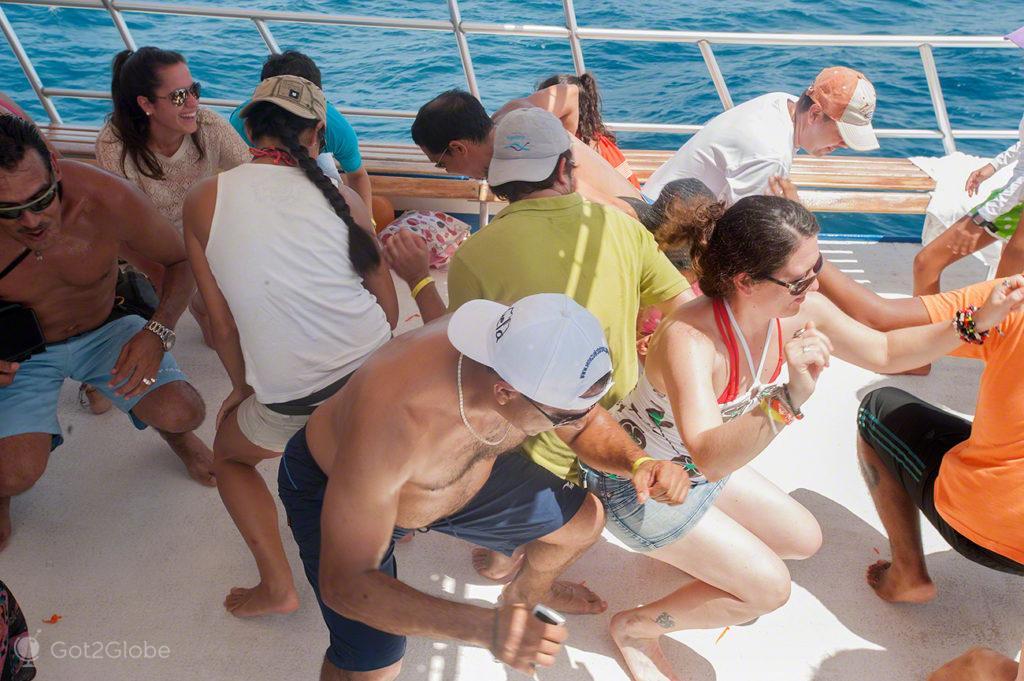 festa rumba no barco, ilha margarita, PN mochima, venezuela