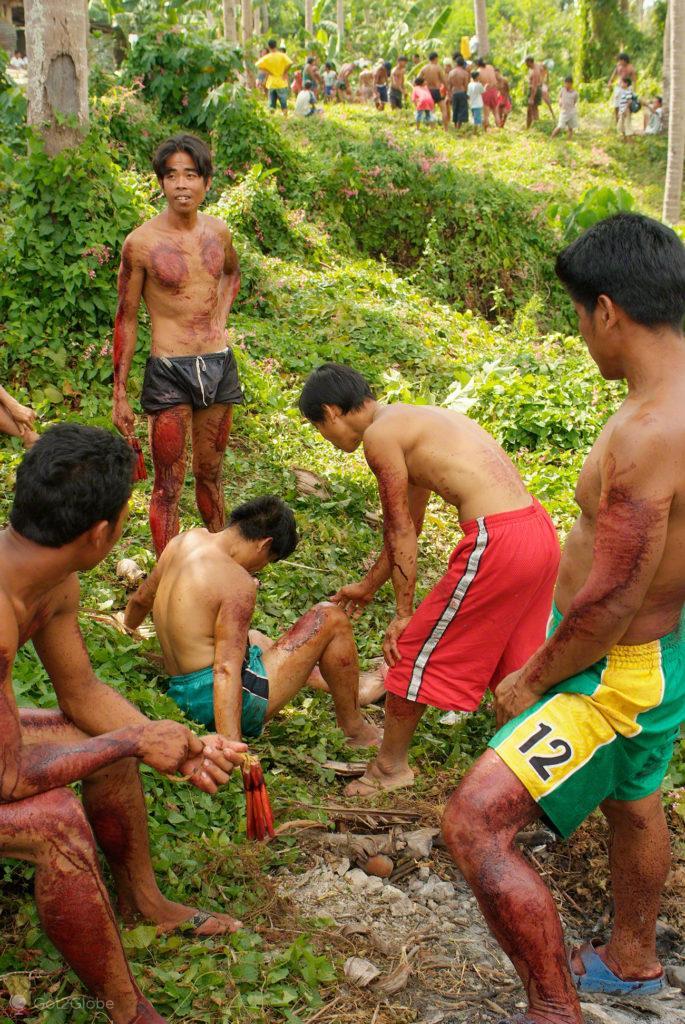flagelador desmaia, paixao de cristo, filipinas