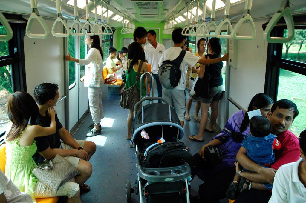 Ilha Sentosa, Singapura, Passageiros do MRT
