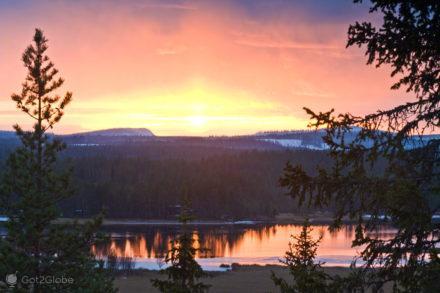 lago ala juumajarvi, parque nacional oulanka, finlandia
