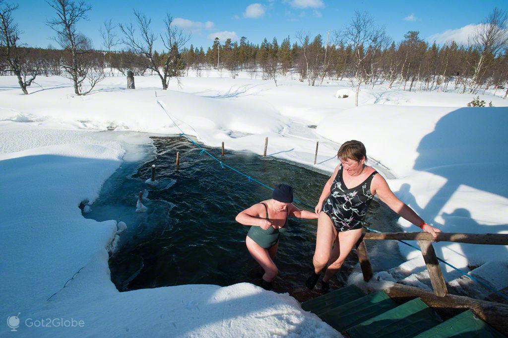 Saunistas no avanto, sauna finlandesa
