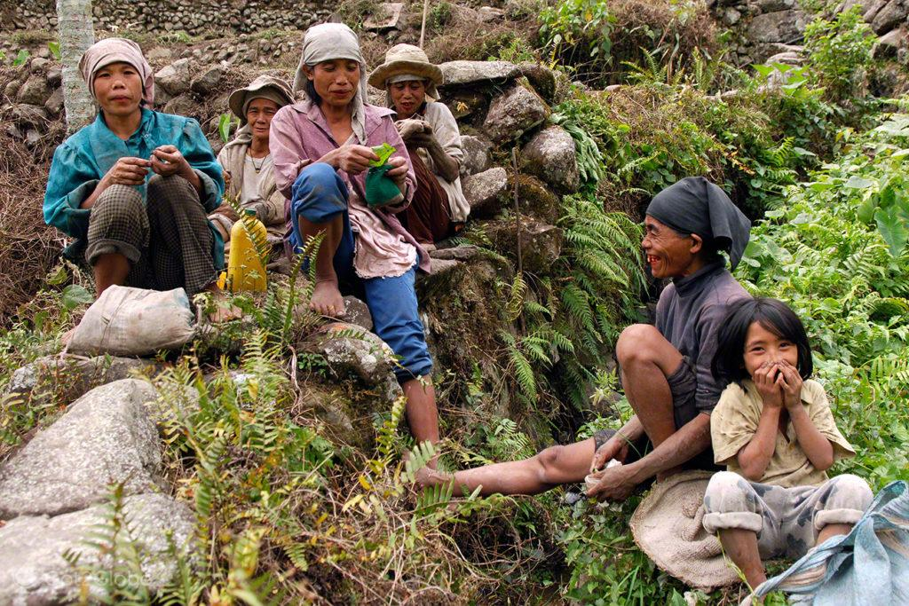 mulheres, batata doce, pausa, trabalho, socalcos arroz, batad, filipinas