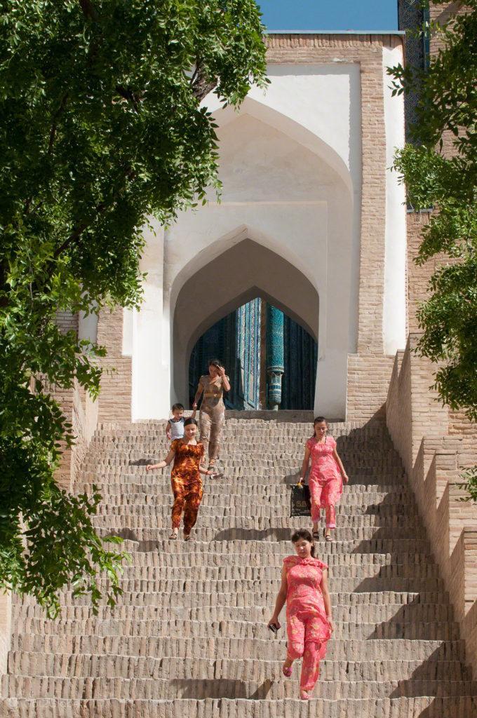 mulheres, necropole Sakhi-zida, uzbeq, rota da seda, samarcanda, uzbequistao