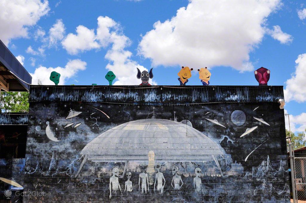 mural, extraterrestre, ovnis, Wycliffe Wells, Australia