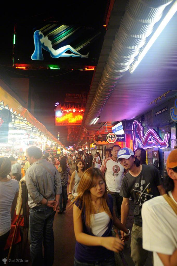 patpong, transeuntes, rua, banguecoque, mil e uma noites, tailandia
