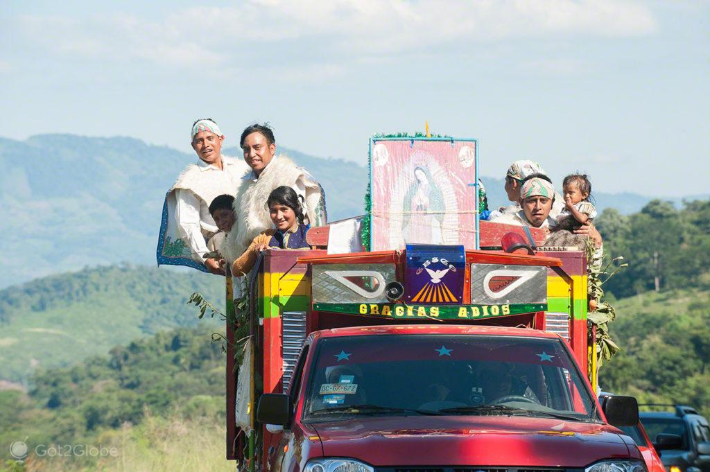 peregrinos, indigenas, chamula, nossa senhora, virgem, guadalupe, mexico