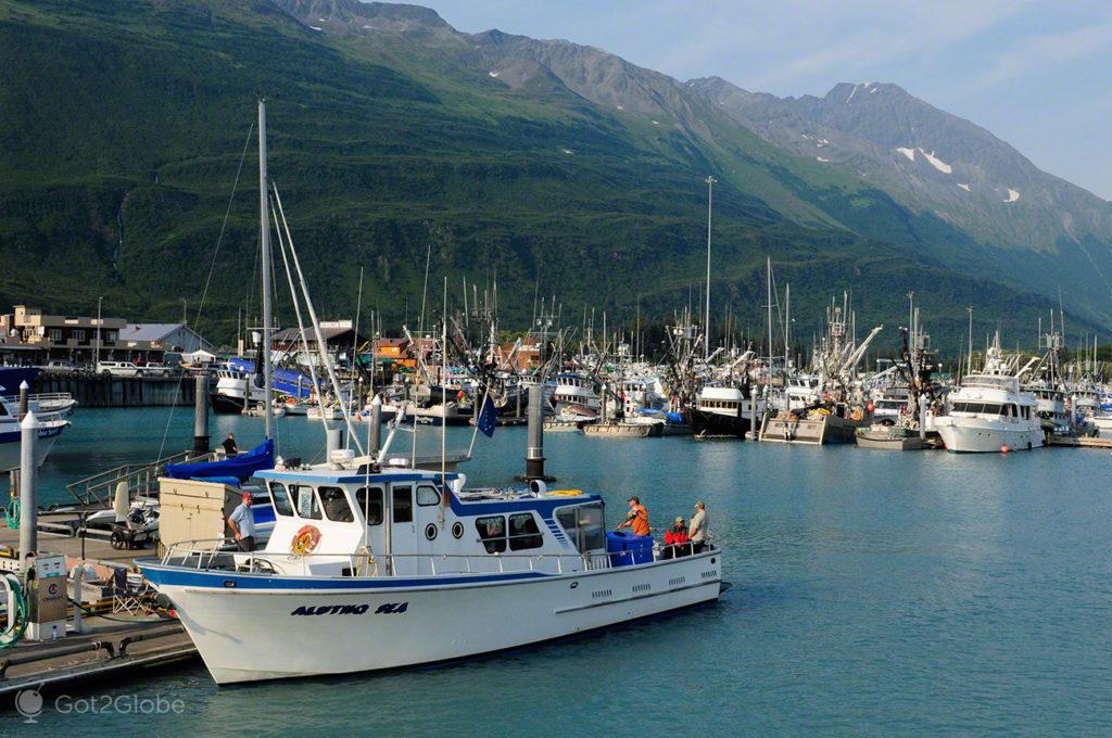 porto valdez, embarcacoes, barcos, rota ouro negro, Valdez, Alasca, EUA