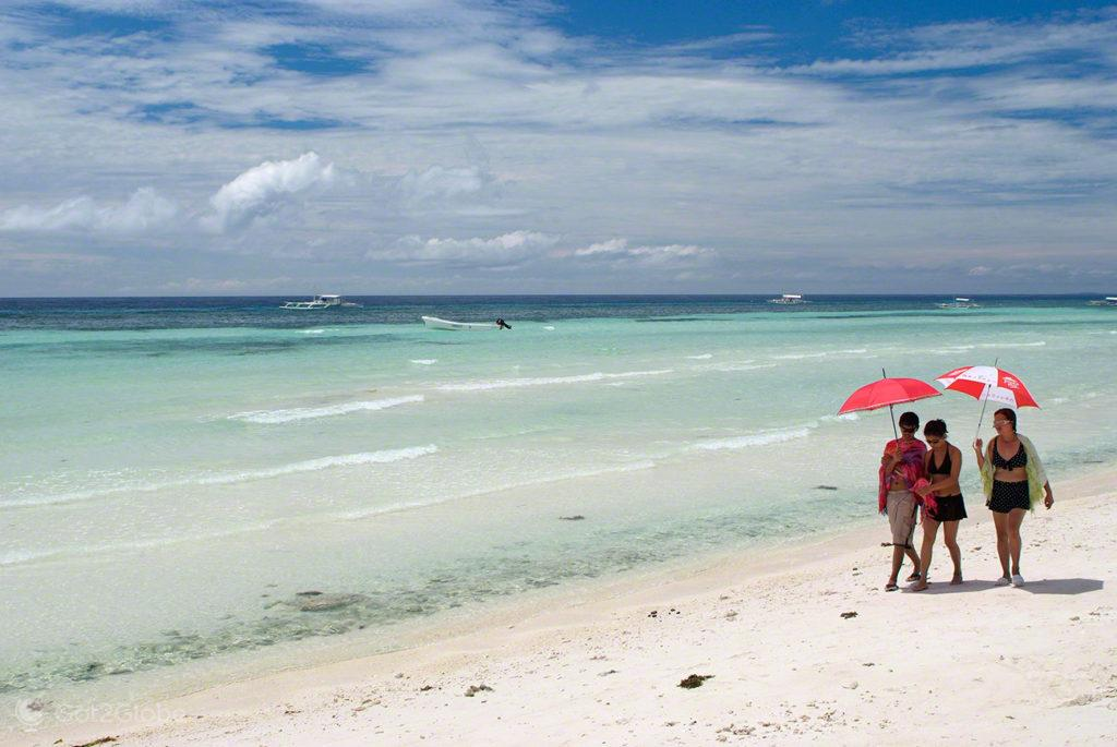 praia libaong, litoral, banhistas, bohol, filipinas, do outro mundo