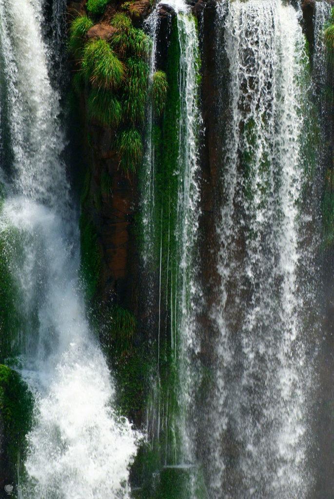 queda secundaria, cataratas iguacu, brasil, argentina