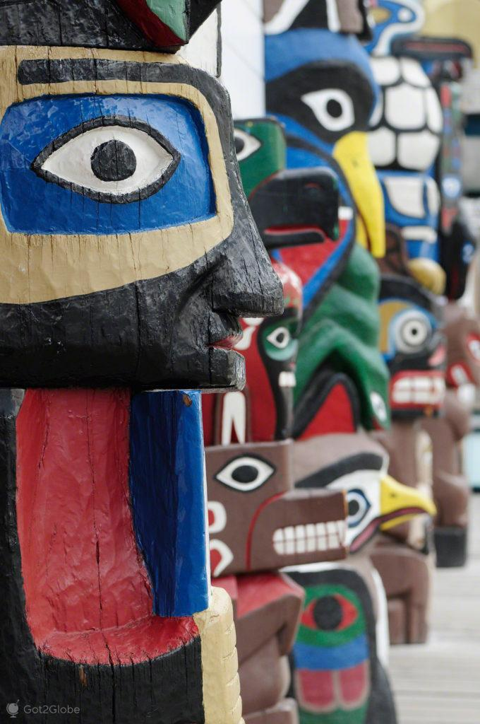 totens, nativo americano, Skagway, Rota do ouro, Alasca, EUA