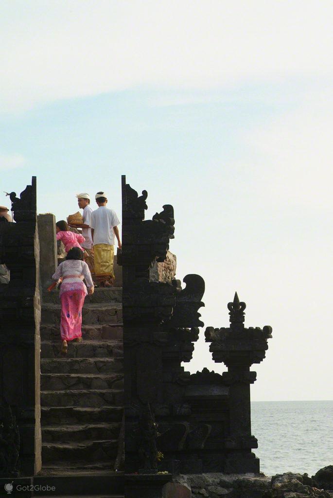 Hinduismo Balinês, Lombok, Indonésia, templo Batu Bolong