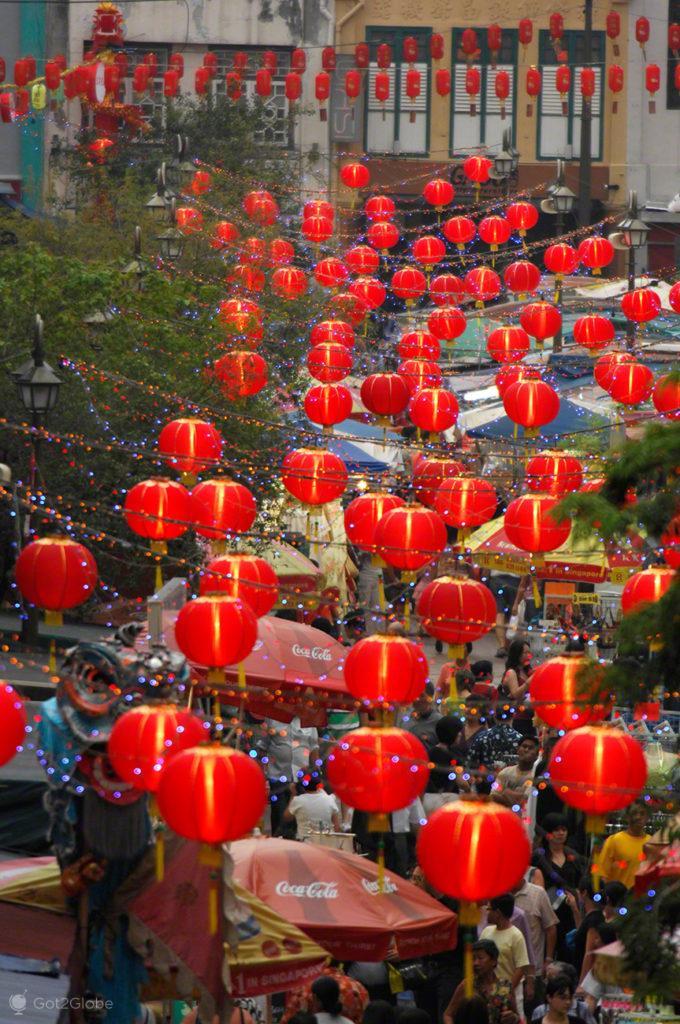Balões Chineses, Singapura, ilha Sucesso e Monotonia