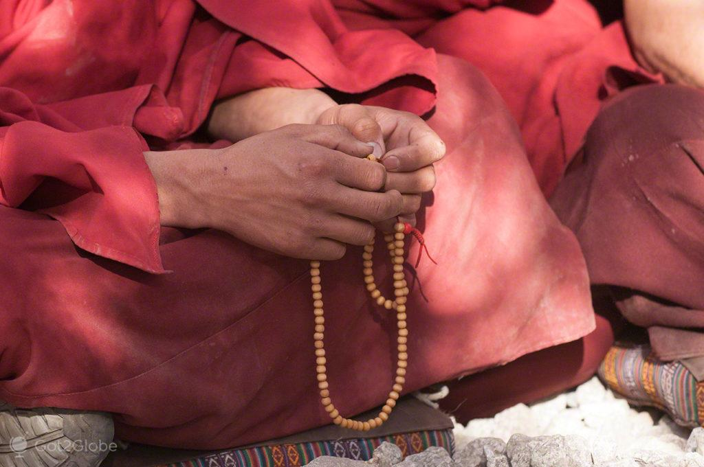 Juzu, Mosteiro de Sera, Sagrado debate, Tibete