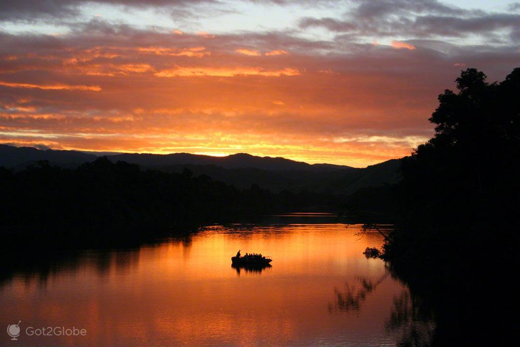 Ocaso no Daintree, Queensland Tropical Australia Selvagem