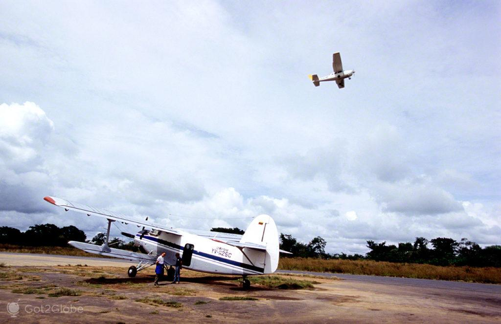 Aeródromo Porlamar, Salto Angel, Rio que cai do ceu, Angel Falls, PN Canaima, Venezuela