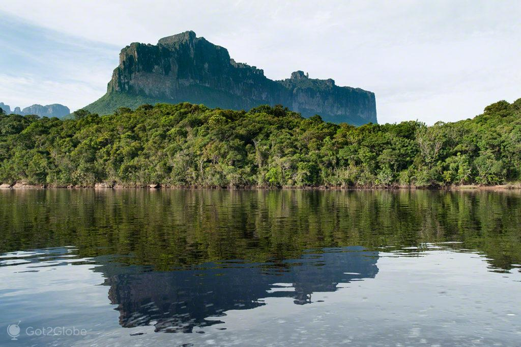Tepui, Salto Angel, Rio que cai do ceu, Angel Falls, PN Canaima, Venezuela