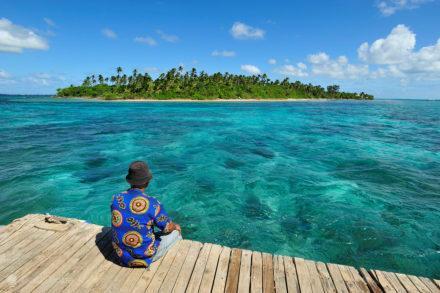 Vista para ilha de Fa, Tonga, Última Monarquia da Polinésia