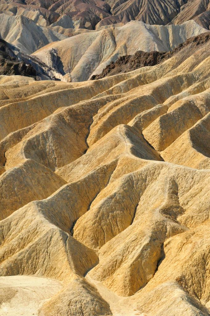 Encosta abaixo do Zabriskie Point, Vale da Morte, Califórnia, Estados Unidos da América