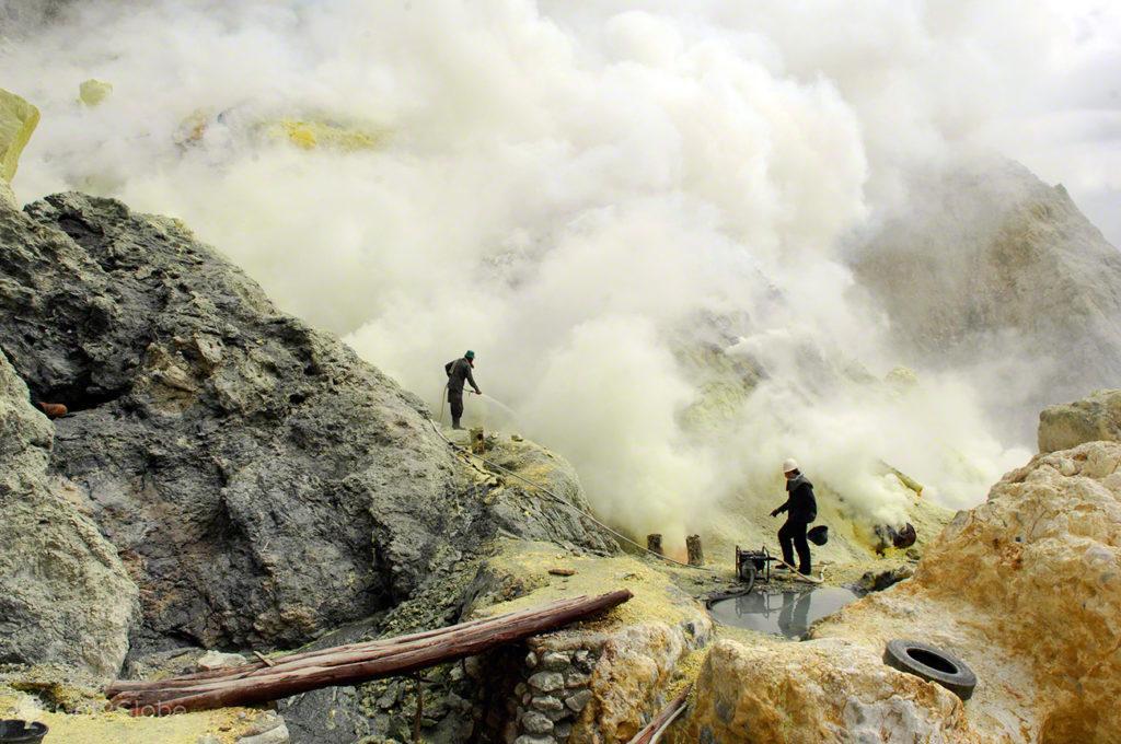 Vulcão ijen, Escravos do Enxofre, Java, Indonesia